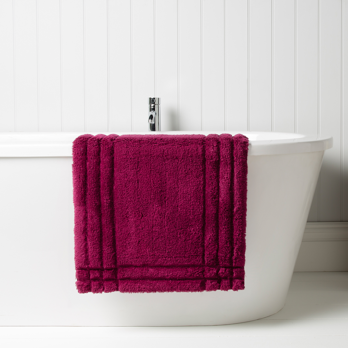 Christy Bath Rug Raspberry Christy