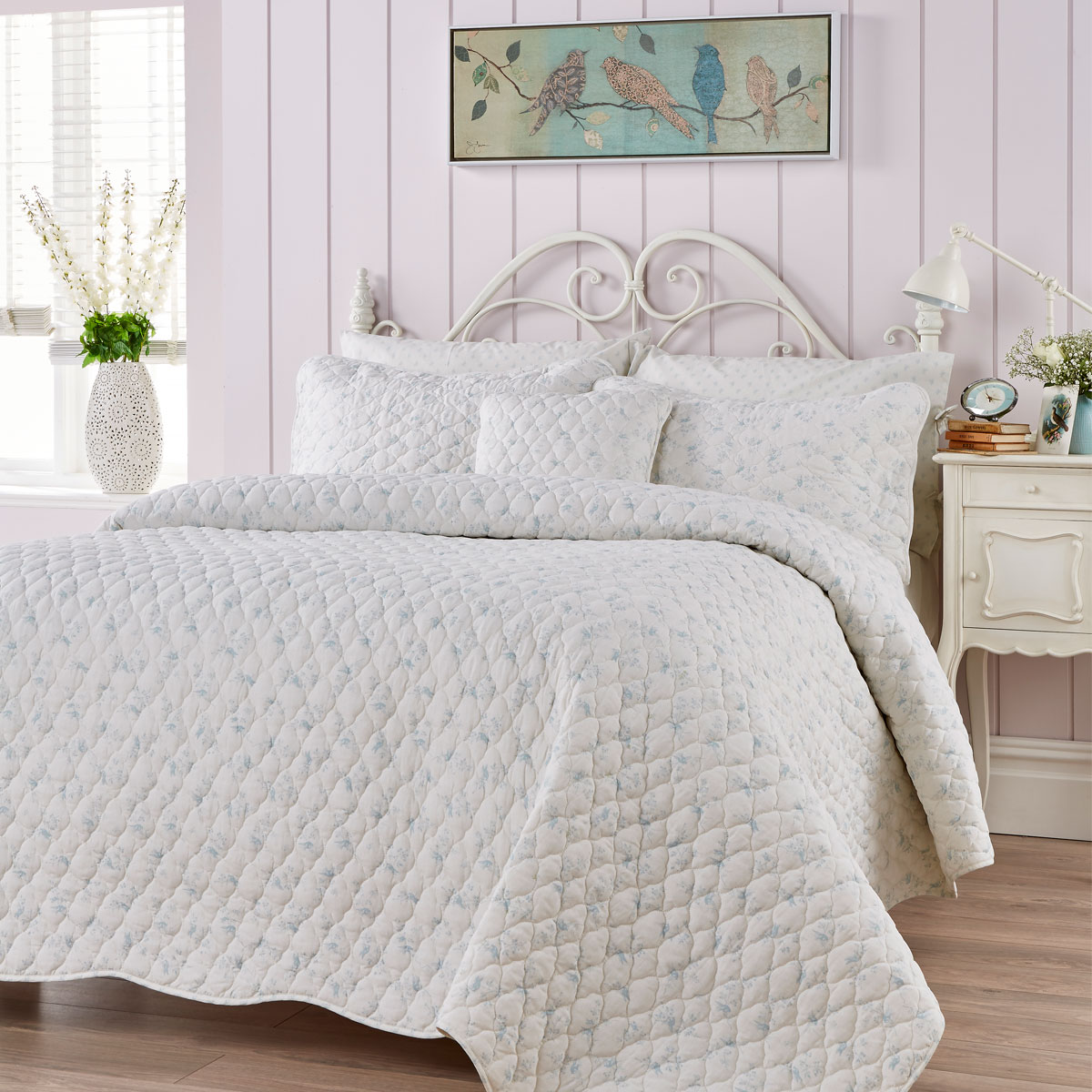 An image of Luxury Juliet Double Duvet Set in Blue by Christy